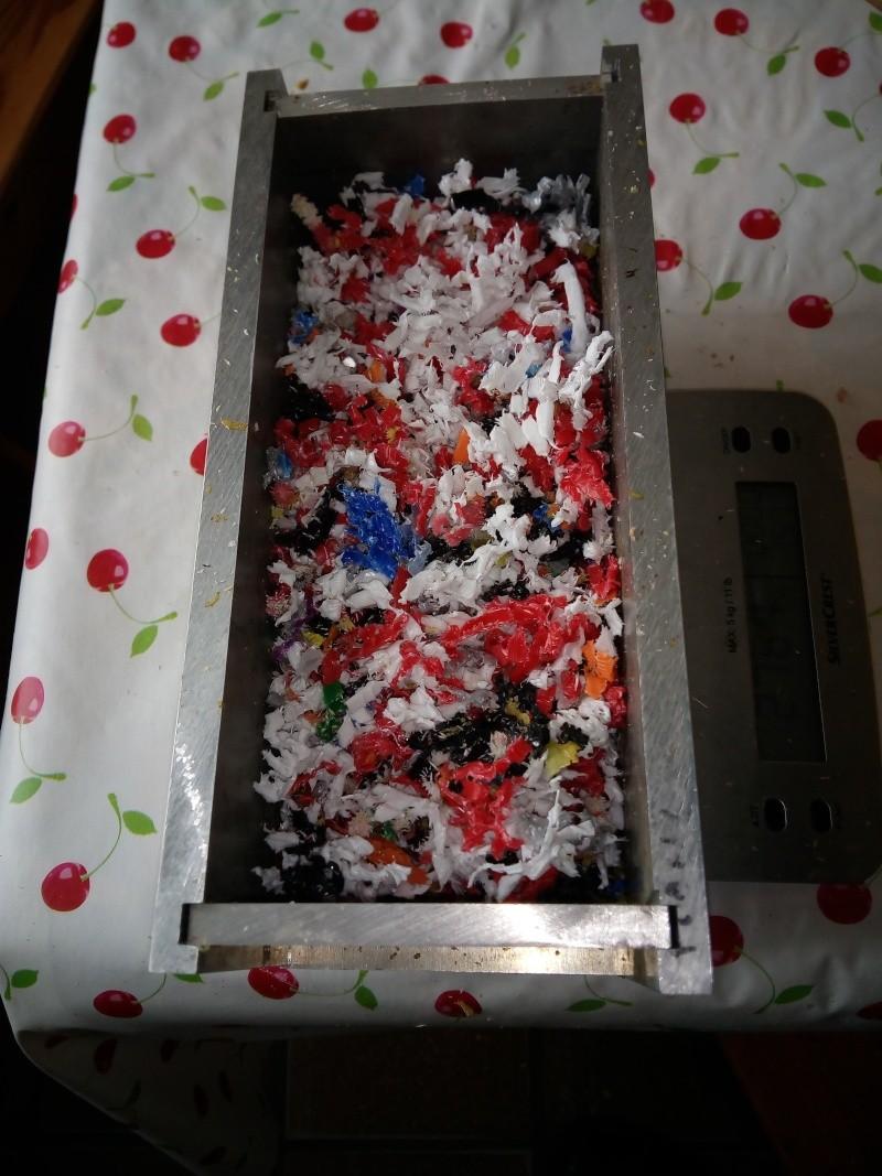 Recyclages matière plastiques - Page 19 Moule_10
