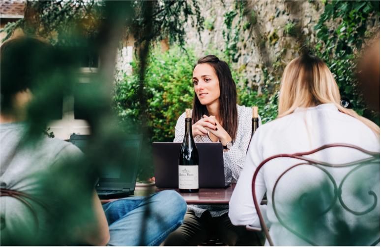 Clémence Durieux, fondatrice de l'application Le Bon Gustave : Parcours d'une passionnée de vin. Clzome10
