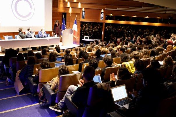 Des permanences juridiques d'élèves avocats pour les demandeurs d'asile Perman10