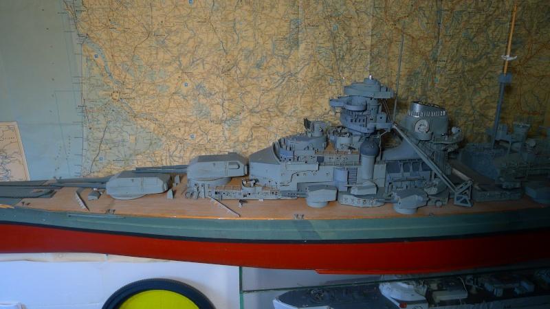 Bismarck scratch au 1/200 ème P1000812