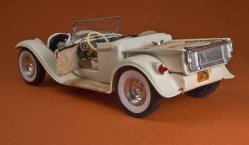 Vintage built automobile model kit survivor - Hot rod et Custom car maquettes montées anciennes - Page 4 12733510
