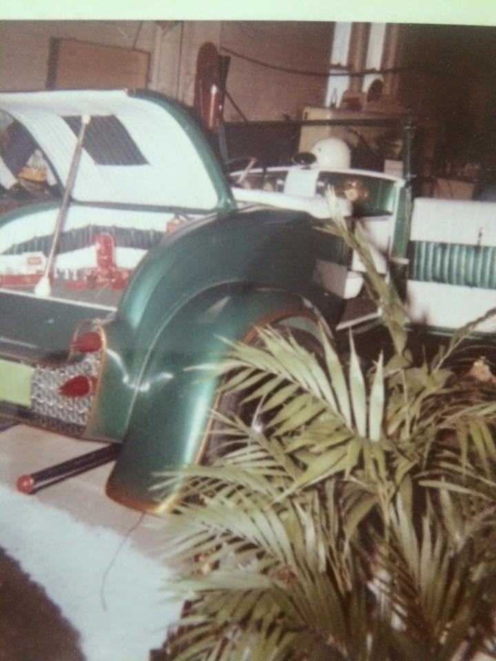 Vintage Car Show - Page 17 12745910