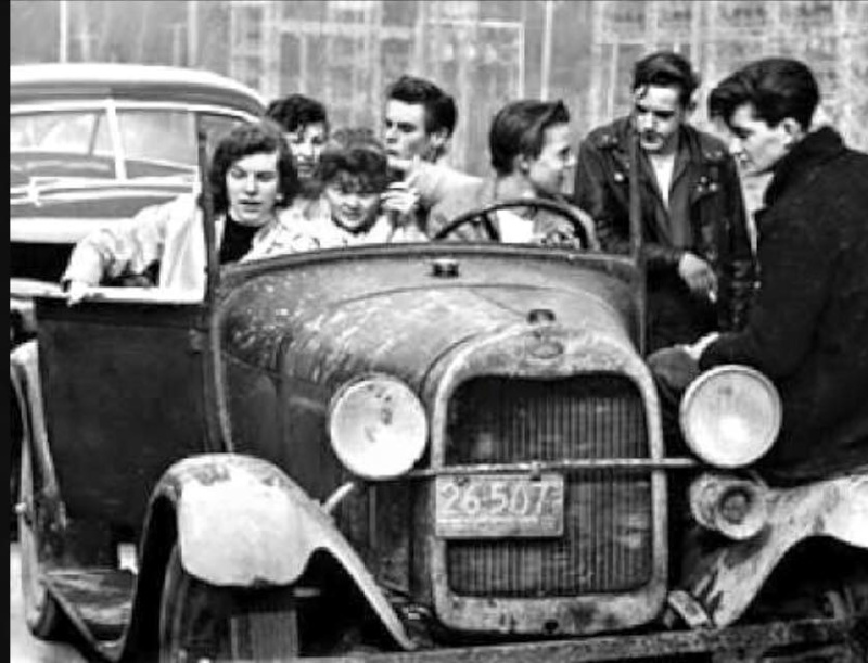 "Hot rod in street - Vintage pics - ""Photos rétros"" -  - Page 5 12802910"