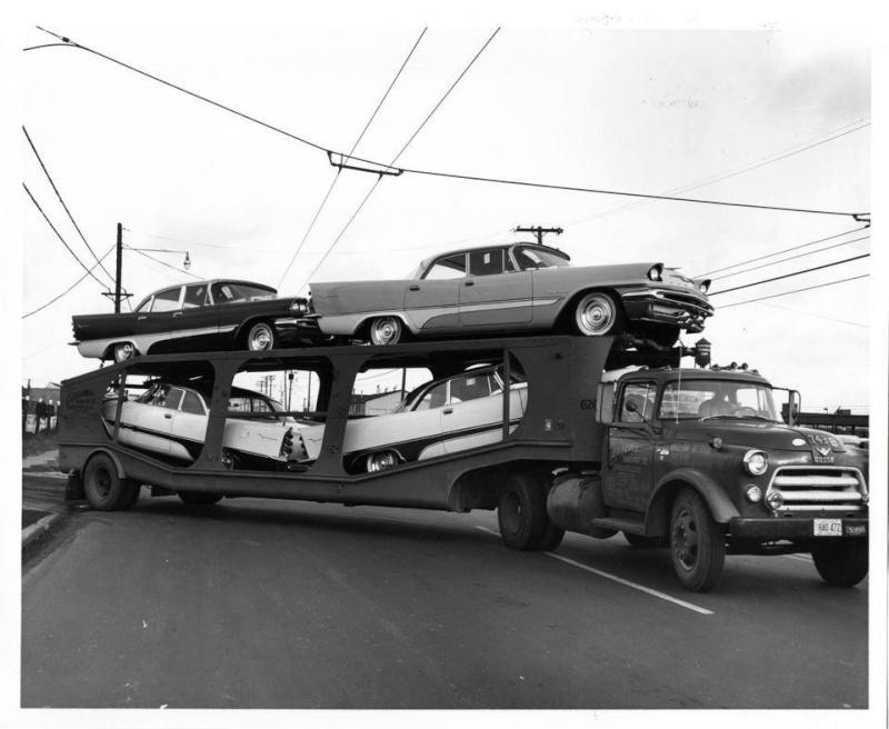 Transport de véhicules. 12805910