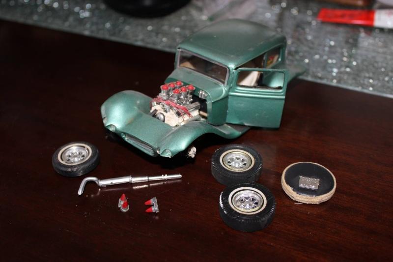 Vintage built automobile model kit survivor - Hot rod et Custom car maquettes montées anciennes - Page 4 12829310