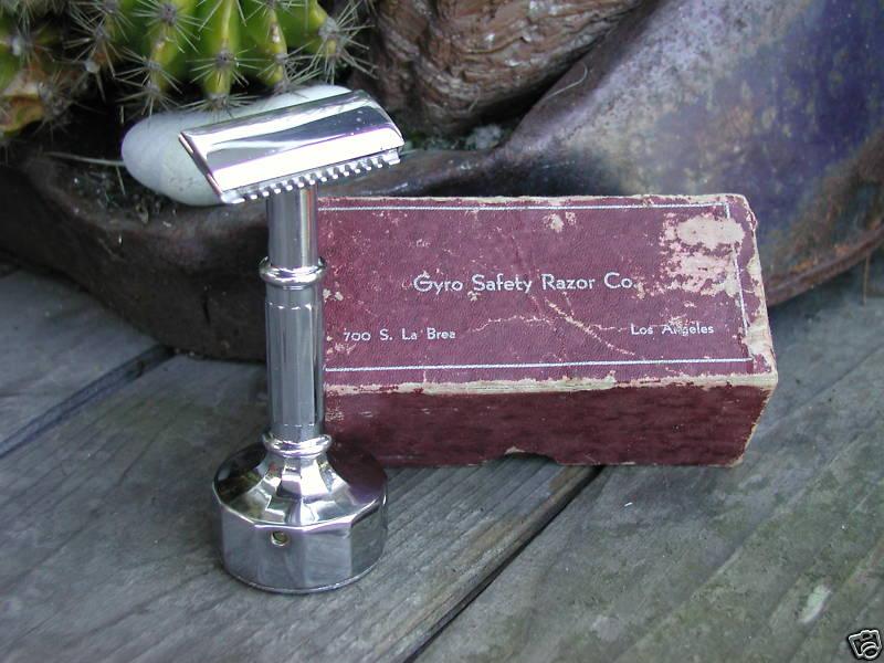 Shave Oddity : le fil du rasoir bizarre :D - Page 6 Safety10