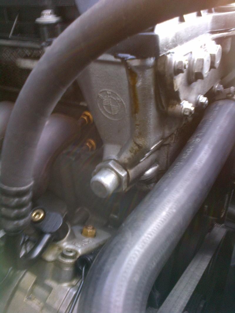 [BMW 523i E39]  fuite cache culbuteur Img-2010