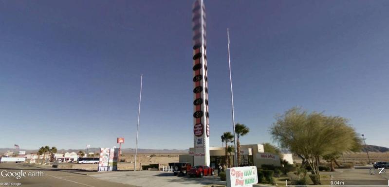 Le plus grand thermomètre au monde, à Baker (Death Valley) en Californie, États-Unis. Thermo11