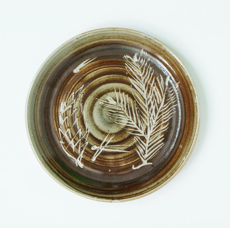 Gordon Plahn, Sevenoaks and Langton Potteries Dsc01810