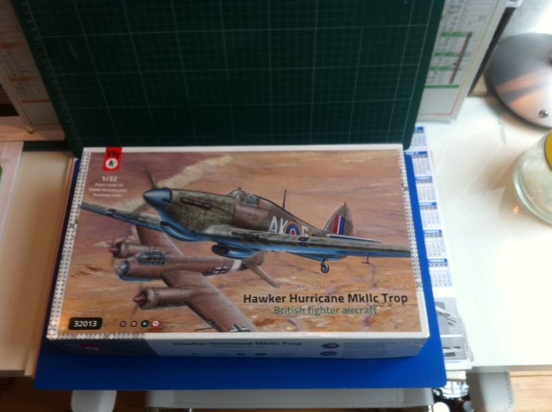 Hawker Hurricane au 1/32 FLY Img_0828