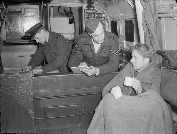 """L'équipage des """"Marins"""" des High Speed launch de la RAF Hsl210"""