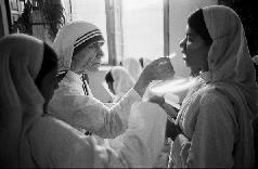 Question au Père Nathan: communion dans la main et interdiction communion sur la langue  - Page 17 Mzore_12