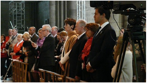 Le roi ''Très chrétien'': baptisé à Reims par saint Remi en 496/ Le premier sacre à Reims: Louis le Pieux en 816 /  Le prince Louis XX présent à Reims le 15 mai 2011, pour COMMÉMORER en assistant à la Sainte Messe. / Prince10
