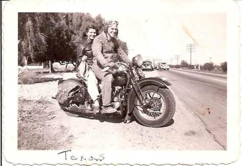 Vieilles photos (pour ceux qui aiment les anciennes photos de bikers ou autre......) - Page 10 10644810