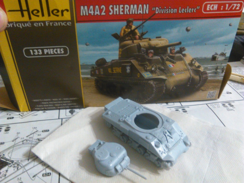 "(Heller) Sherman M4A2 ""Division Leclerc"" Img_2010"