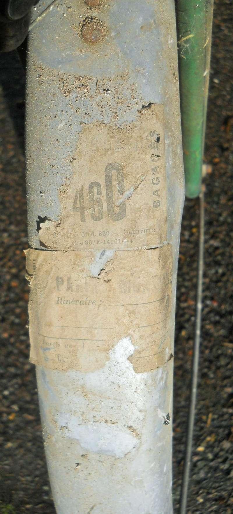 MoTobécane bnx 1940-41 cadre bi-tubes 3 vitesses .  Dscn7529