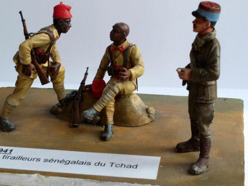 Figurines HELLER 1/35e  Troupes coloniales françaises  2eGM Img_2512
