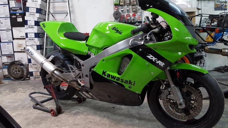 Kawasaki zx6r 1995 pour faire joujou !!  20160312