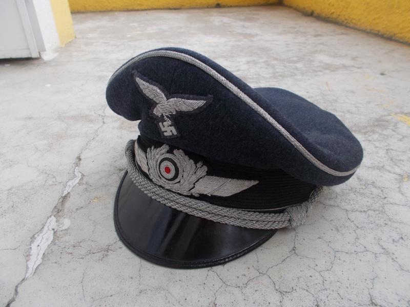 2 casquettes d' officier Luftwaffe Dscn2310