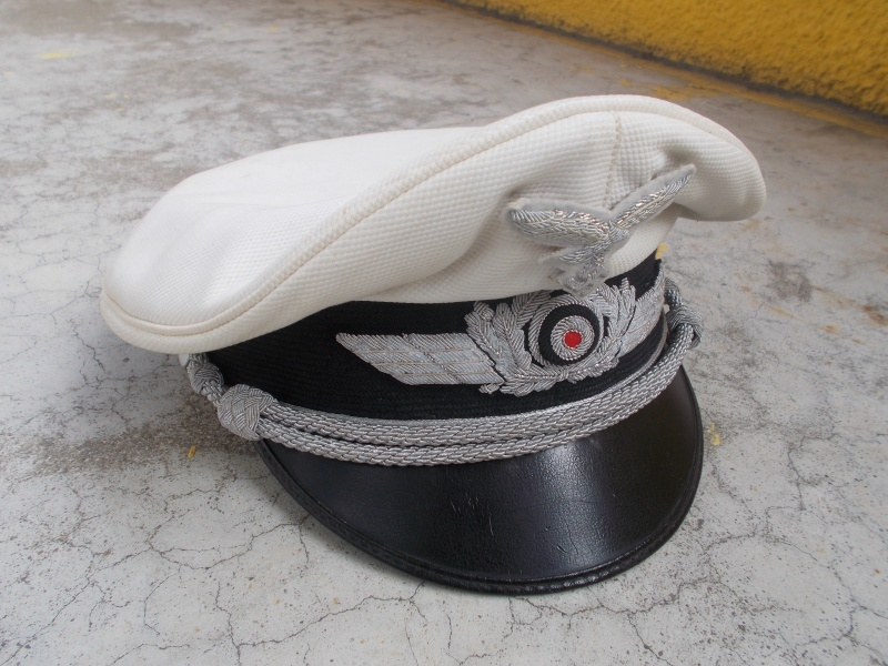 2 casquettes d' officier Luftwaffe Dscn2311