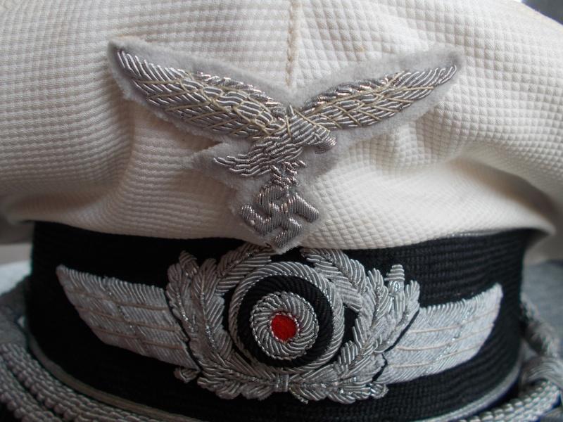 2 casquettes d' officier Luftwaffe Dscn2410