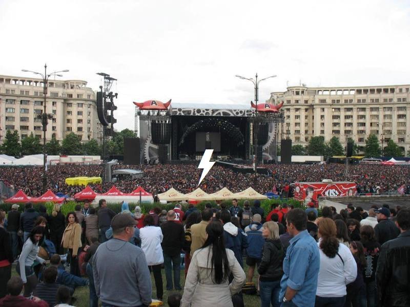 2010 / 05 / 16 - ROM, Bucharest, Piata Constitutiei 118