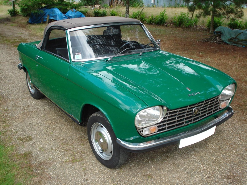 la Peugeot 204 cabriolet de ma femme Dsc04710