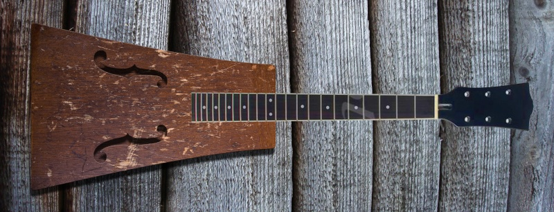 Bo Diddley's first guitar replica Sans-t10