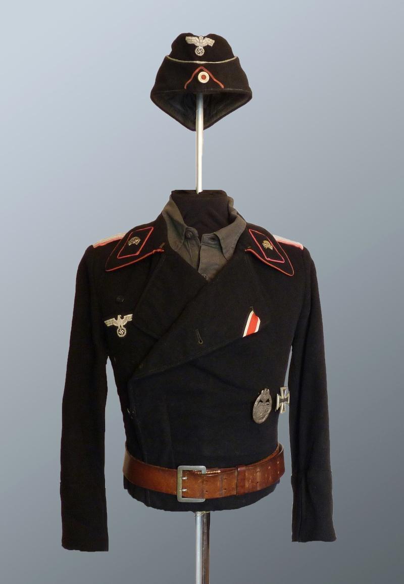 Officier Panzer WH P1040810