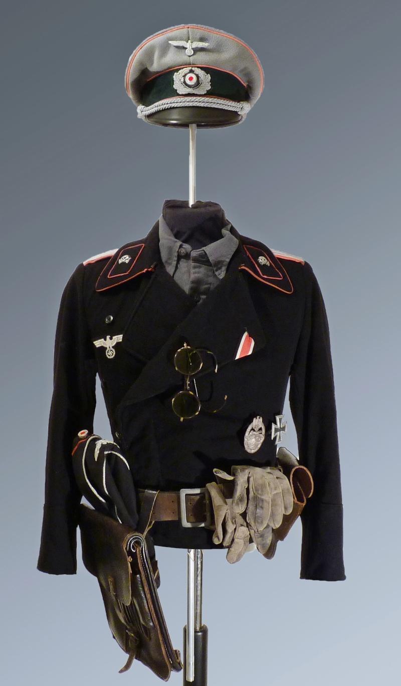 Officier Panzer WH P1040812