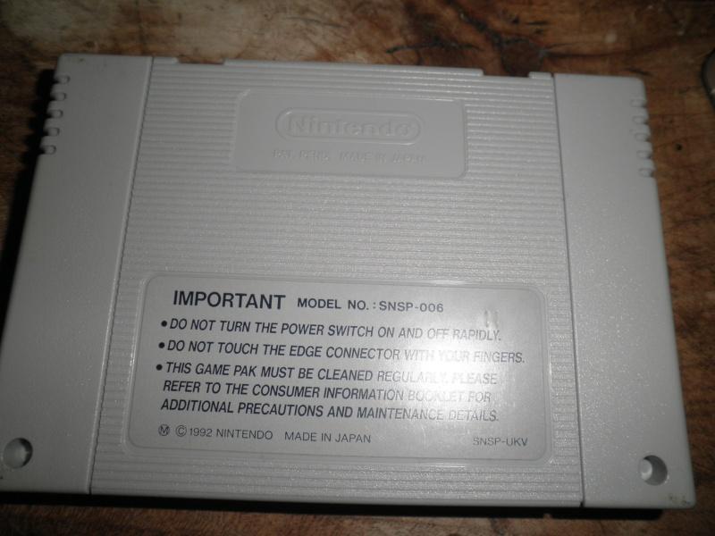 Utopia sur Super Nintendo - possible contrefaçon?  P3040016