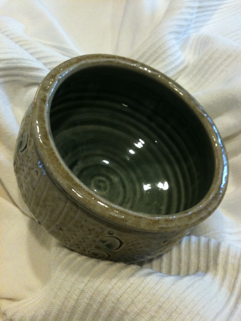 small stoneware bowl - SfR mark - Maureen Minchin, Springs Farm Pottery Img_0612