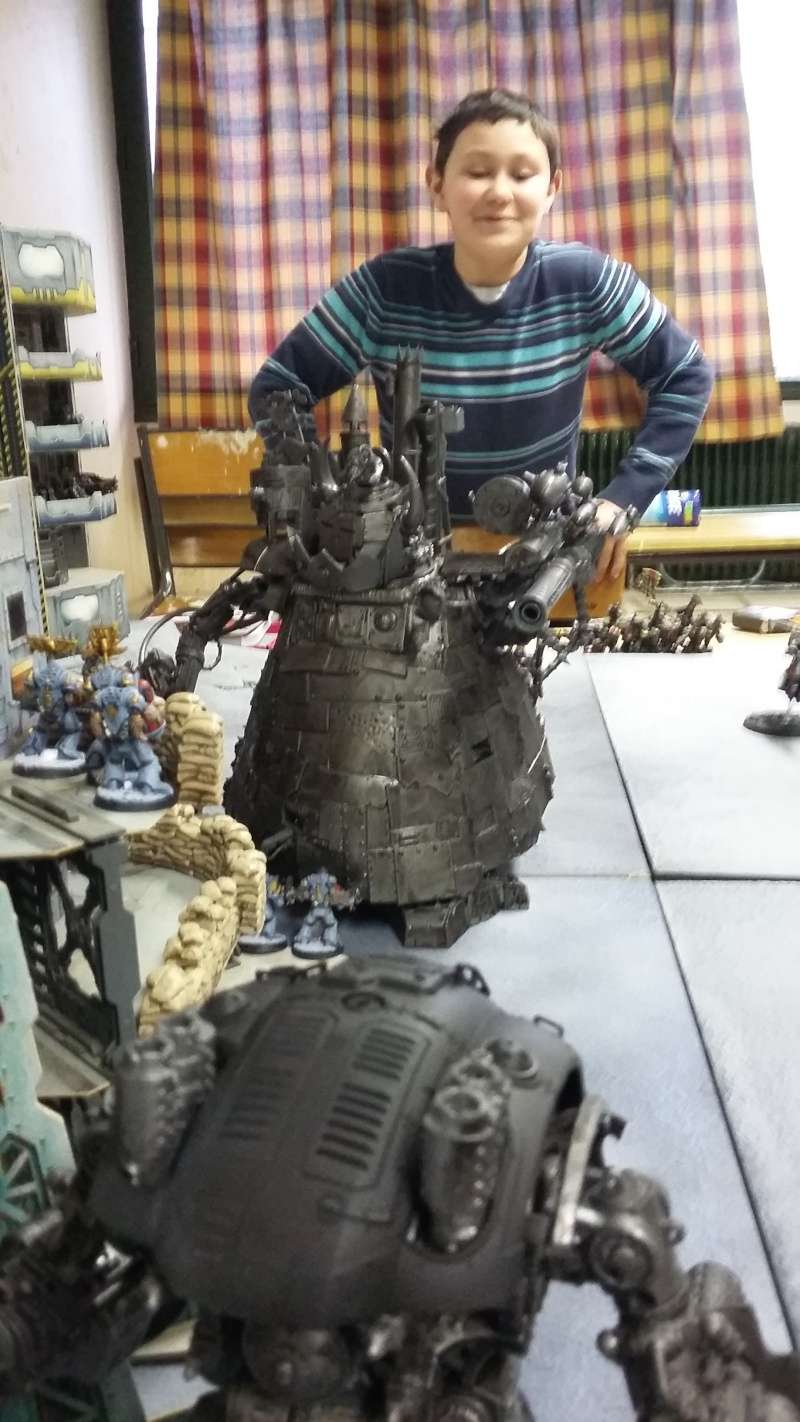 "Rapport de bataille Warhammer 40 000 du samedi 27 fevrier : scenario ORKS/SPACE WOLVES - ""Bataille pour du karbu"" 1_le_c10"