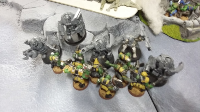 """Rapport de bataille Warhammer 40 000 du samedi 27 fevrier : scenario ORKS/SPACE WOLVES - """"Bataille pour du karbu"""" 5-les_10"""