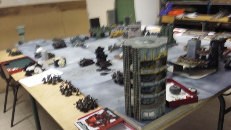 """Rapport de bataille Warhammer 40 000 du samedi 27 fevrier : scenario ORKS/SPACE WOLVES - """"Bataille pour du karbu"""" 50610"""
