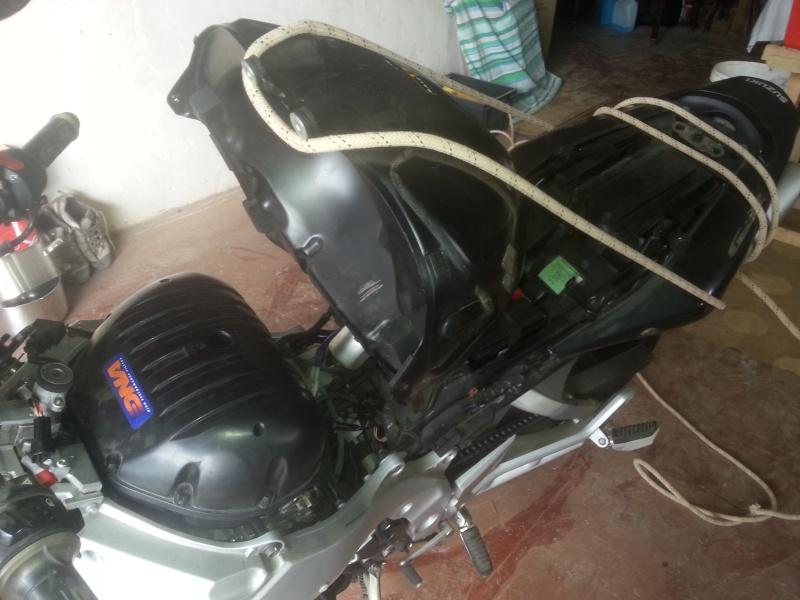 Changement des câbles d'accélérateur et problème moteur vannes papillons secondaires 07-pho10