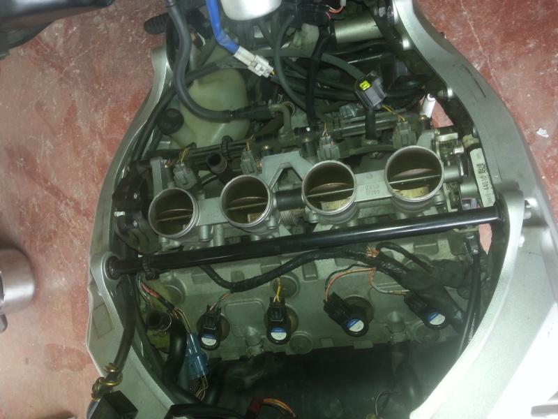 Changement des câbles d'accélérateur et problème moteur vannes papillons secondaires 12-rys10