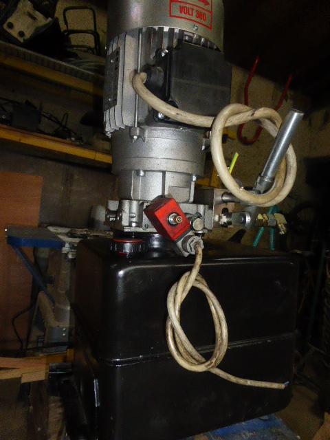 ma centrale hydraulique P1020712