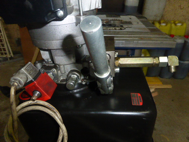 ma centrale hydraulique P1020713