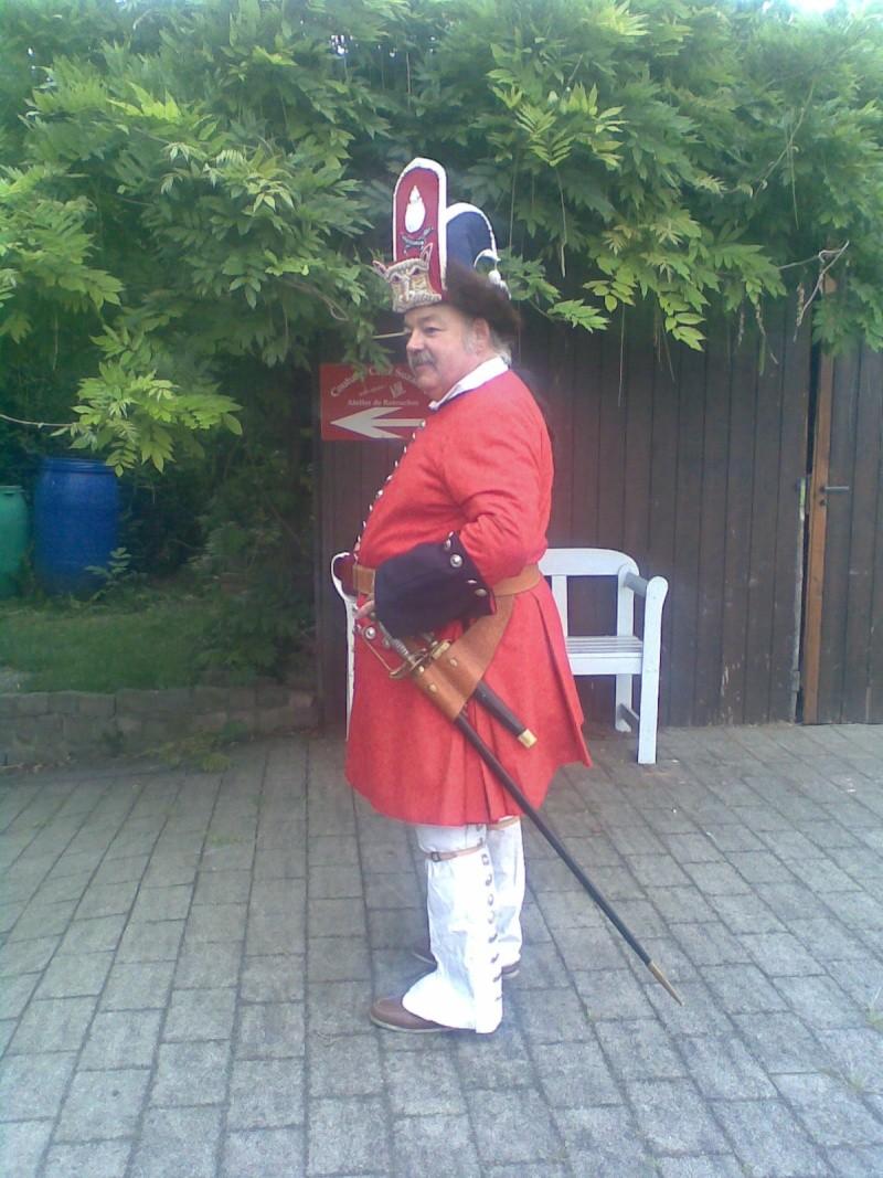 Mes respects Monsieur L'officier...cui-cui vous salut bien Photo010