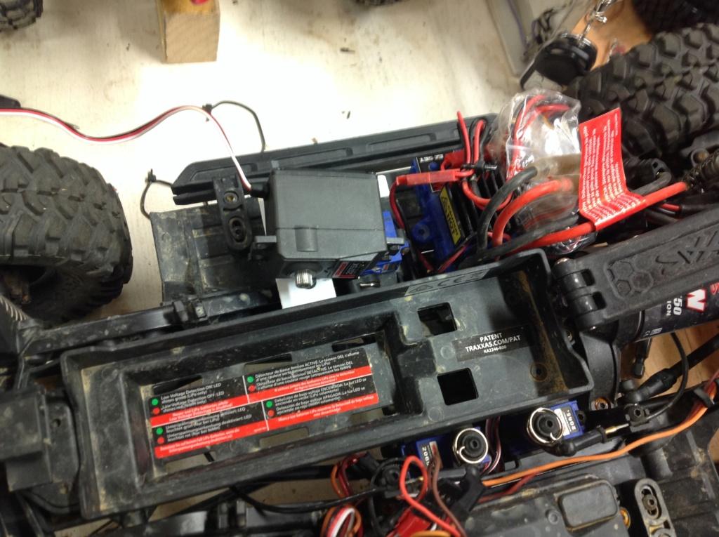 Micro servo en remplacement des 2065 du TRX-4 : différentiel et boite de vitesse - Page 2 Img_1333