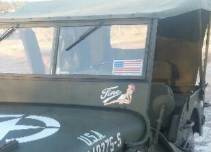 Calligraphie pour nom personnalisé de Jeep Willys Img_2096