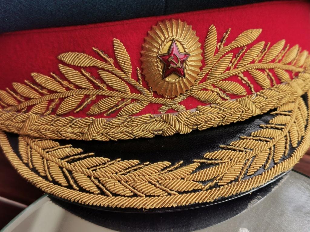 Details de mes coiffures de Général soviétique.  Img_2255