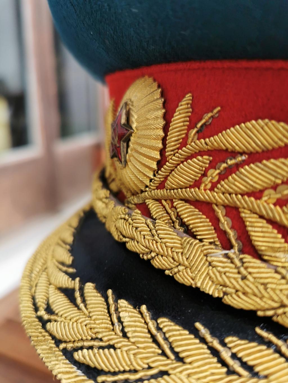 Details de mes coiffures de Général soviétique.  Img_2256
