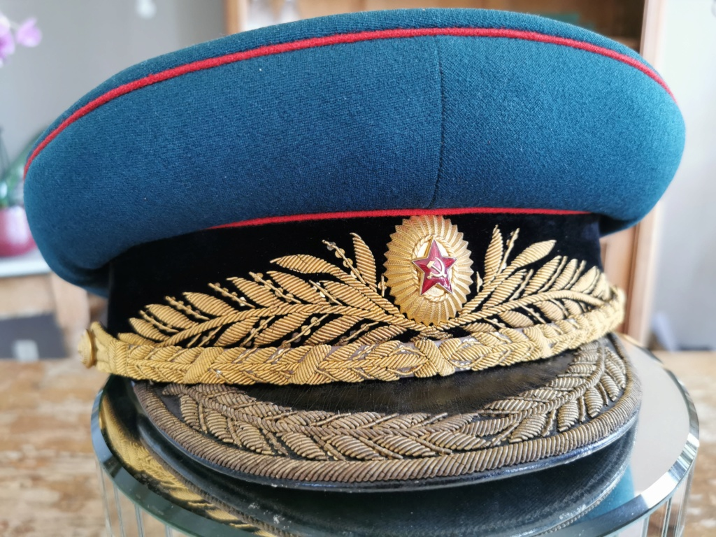 Details de mes coiffures de Général soviétique.  Img_2264