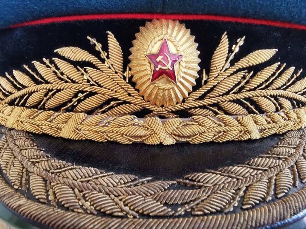 Details de mes coiffures de Général soviétique.  Img_2266