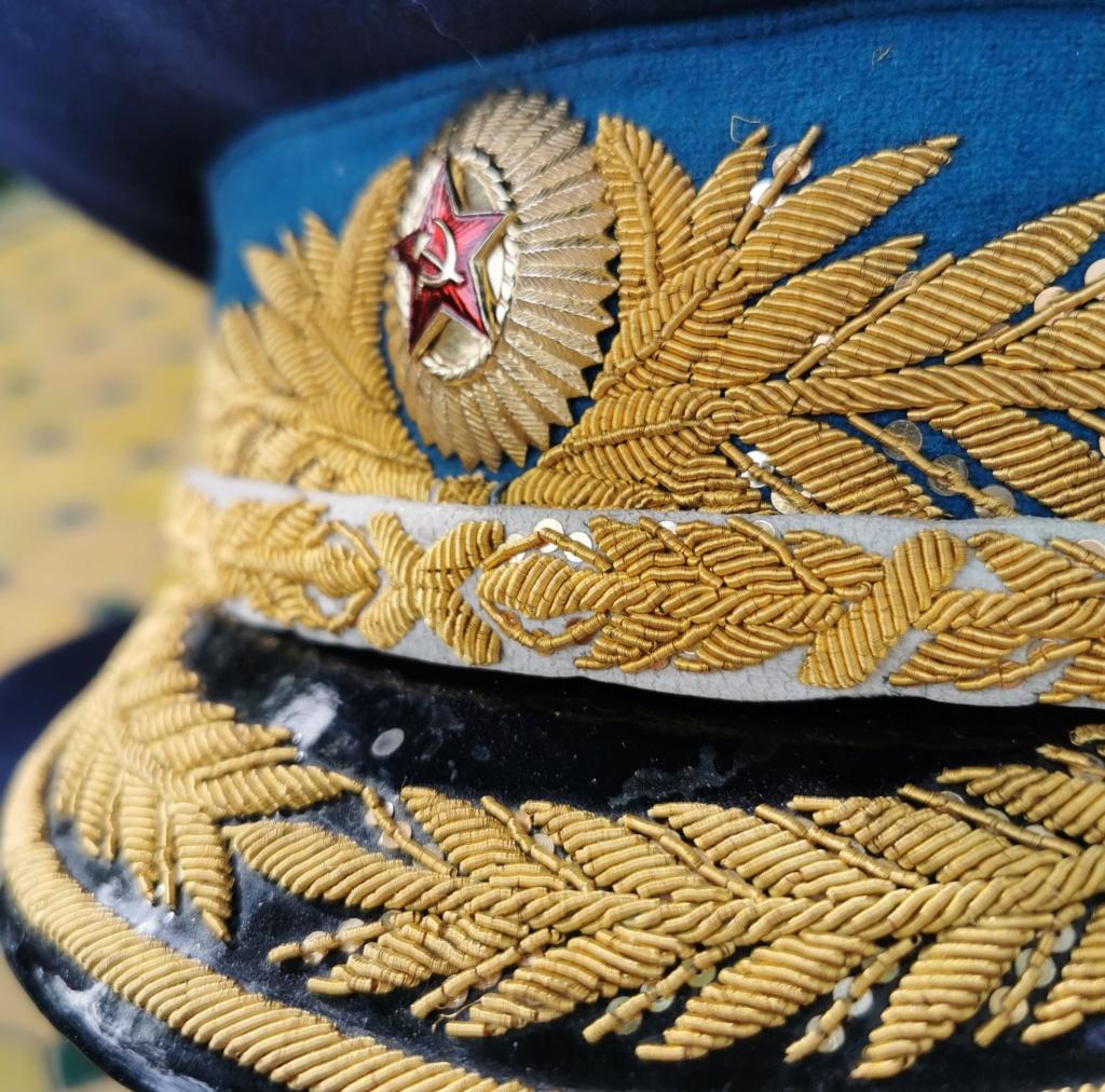 Details de mes coiffures de Général soviétique.  Img_2279