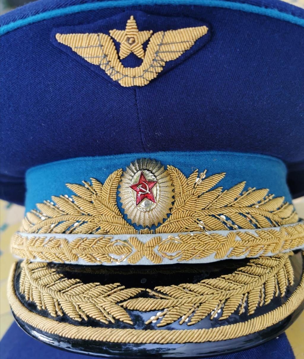 Details de mes coiffures de Général soviétique.  Img_2281