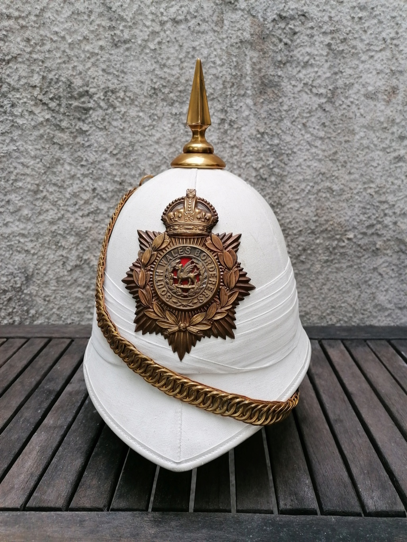 Série casques coloniaux de parades Britannique.. De l'orfèvrerie. Collec. perso Img_2466