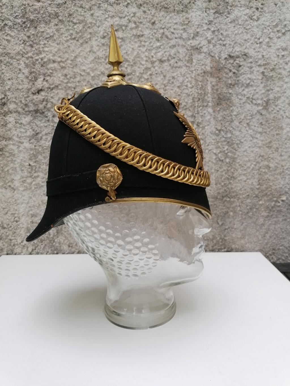 Série casques coloniaux de parades Britannique.. De l'orfèvrerie. Collec. perso Img_2469